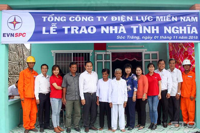 EVNSPC  trao nhà Tình nghĩa tại Mỹ Xuyên  (Sóc Trăng)